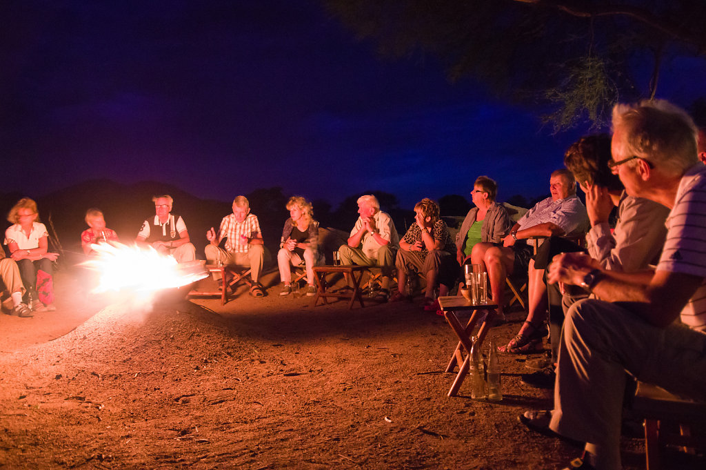 Campfire, Ruaha river lodge